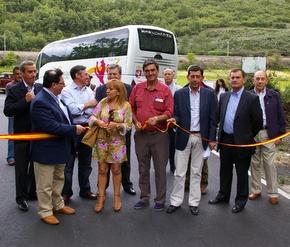 ISabel Carrasco, con el alcalde de Torre y otros diputados bercianos