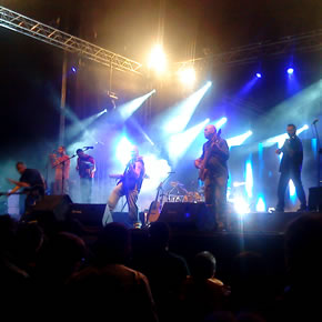 Los Celtas Cortos en un momento de su actuación en Bembibre