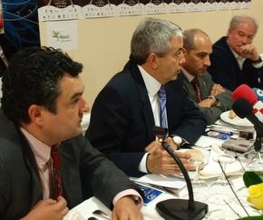 El presidente de Paradores, con el presidente del Consejo, del Patronato de Turismo y alcalde de Fabero