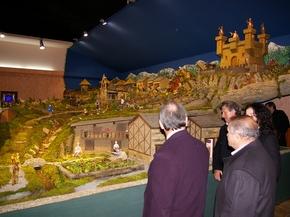 Numerosas personas en la inauguración del Belén