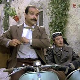 Antonio Resines y Luis Ciges en un fotograma característico de la película