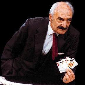 René Lavand, durante una de sus actuaciones