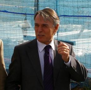 Imagen del Subdelegado del Gobierno en una de sus visitas a Bembibre