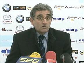 Simón Pérez se quejó del gol del empate durante la rueda de prensa