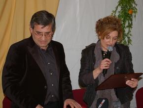 El mantenedor, Manuel Olano, con la presidenta del Club Popular