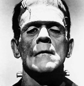 Boris Karloff caracterizado como el mostruo de Frankenstein