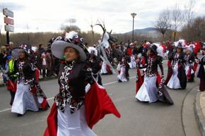 Uno de los grupos participantes en el desfile
