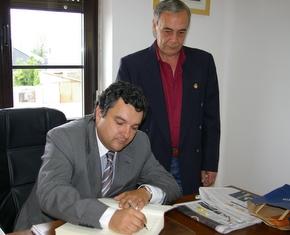 Julio Anta, con el presidente del Consejo, José Luis Ramón