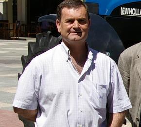 José Antonio Velasco repide en el cargo