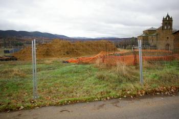 Las obras comenzaron en San Esteban del Toral pero la empresa quebró