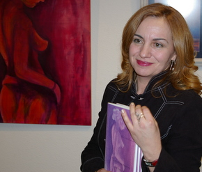 La escritora en la presentación de su libro