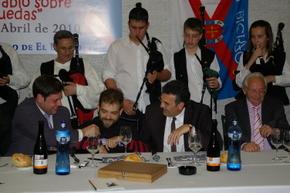 De izda a dcha: Alonso, Toño, Santos y Ferrer durante el acto