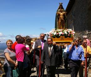 La Virgen de la Peña recibió el calor de numerosas personas