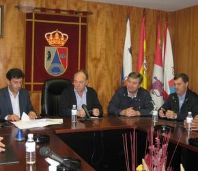 Los diputados con el alcalde en la recepción de la obra