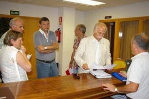 Gloria Castro, Serafín Vázquez, Joaquín Bermejo y Jacinto García presentaron la moción