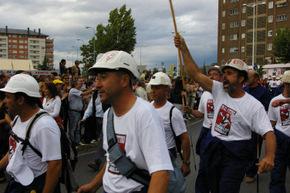 La Marcha Negra entró en Ponferrada entre vítores y apláusos
