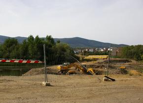 Obras de construcción del nuevo puente sobre el Boeza