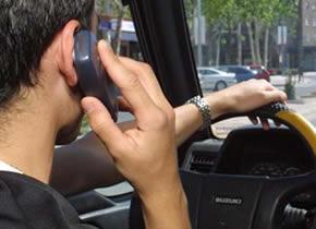 El teléfono móvil es una de las mayores causas de accidentes