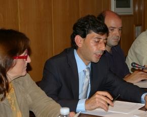 Jaime González y Luis González, al fondo, son el portavoz y portavoz suplente del Grupo Popular en el Ayuntamiento de Bembibre (foto de archivo)