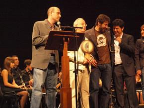 Antonio Donis y Antonio Morán con los ganadores en el Festival de cine de Ponferrada 2009 - Foto Manuel Cuenya
