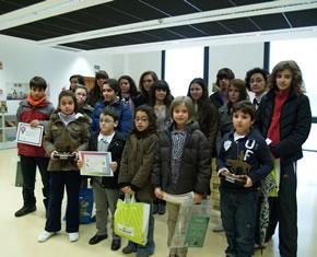 Foto de grupo con todos los premiados en las diversas categorías
