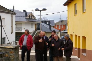 Los ediles del equipo de gobierno presentaron la renovación en El Valle