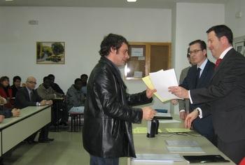 En el acto de clausura los alumnos recibieron sus diplomas