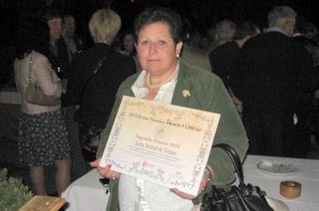 La presidenta de la Junta Vecinal recogió el diploma