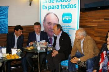 Un momento del encuentro con Alfredo Prada