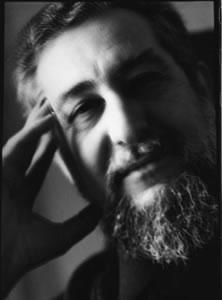 El poeta visual Gustavo Vega