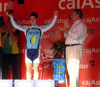 Andrés López en el podium de Candás