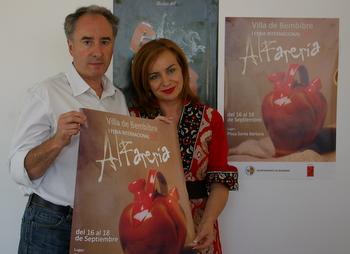 Miguel Ángel González y Cristina Pastrana, durante la presentación de la Feria