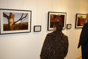 Durante la exposición celebrada en la Casa de las Culturas de Bembibre