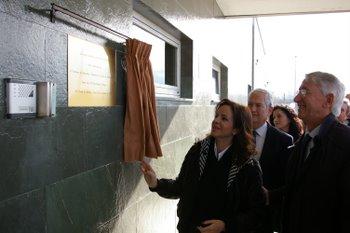 La consejera con el director de la empresa Friber en el acto de inauguración de las nuevas instalaciones