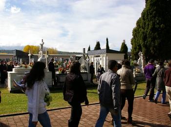 El cementerio de Bembibre recibió a una multitud desde media mañana