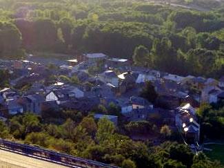 Vista parcial de Albares de La Ribera