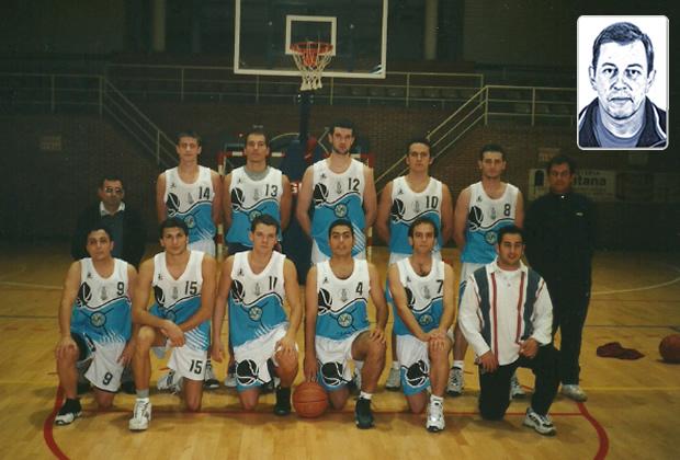 Antonio Calvo con su equipo CB Torre del Bierzo