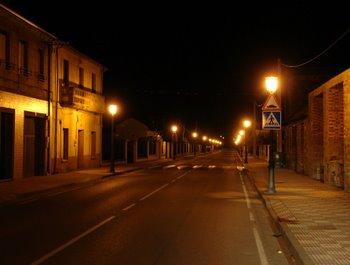 Las calles del municipio verán reducidos los puntos de iluminación para ahorrar en la factura