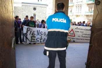 La protesta tuvo lugar esta mañana frente al Ayuntamiento
