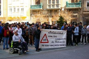 Los jóvenes socialistas defienden las manifestaciones no violentas