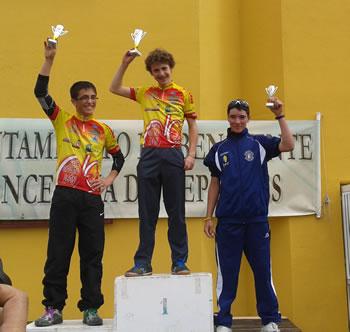 Samuel Martínez Díaz en subió al podium como tercer clasificado