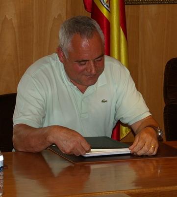 Roberto Fernández se despidió entre los aplausos del salón de sesiones
