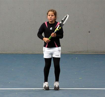 La tenista originaria de Bembibre, Raquel Villán se impuso en dos categorías