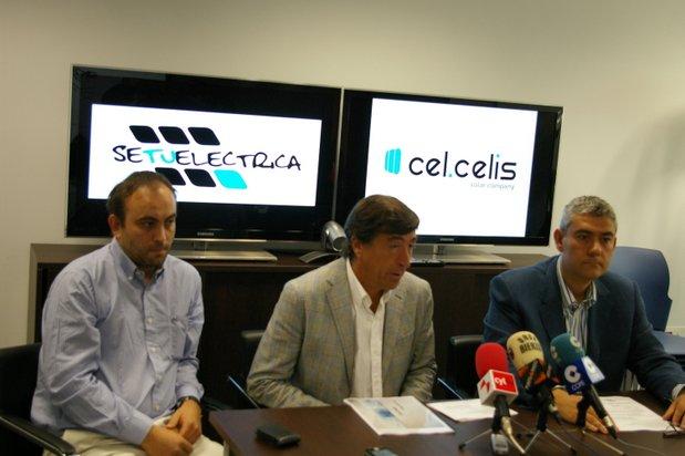 El presidente de Cel Celis, Javier Arias, con el vicepreisdente Javier Tejuca (dcha) y el ingeniero Fernando Suárez (izda)