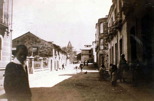 Avenida Susana González con la iglesia de San Pedro al fondo - 1924