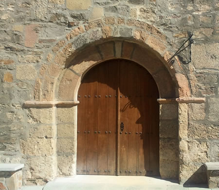 Puerta de entrada a la antigua sianagoga judía