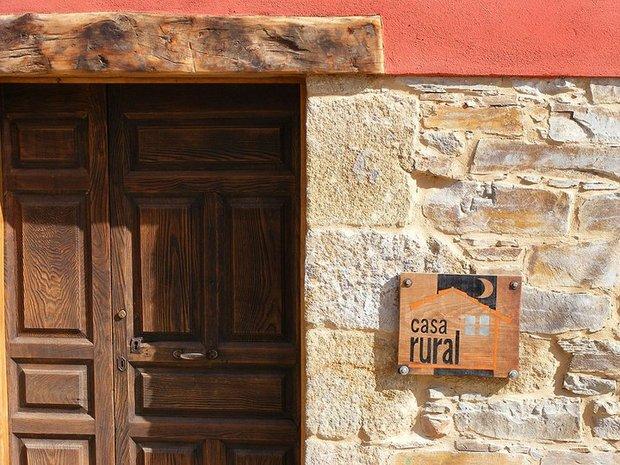 Entrada de la Casa Rural La Gándara, de San Justo de Cabanillas
