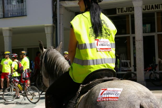 Imagen de la salida del maratón Salvemos El Bierzo desde Bembibre, en 2011