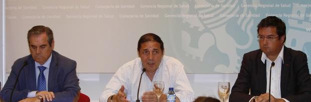 Jesús Aguilar, Antonio Mª Sáez Aguado y Óscar López en rueda de prensa / Foto: comunicación Junta CyL