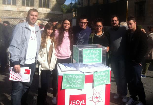 Foto de archivo de una reciente acción de JSE-León en materia de educación
